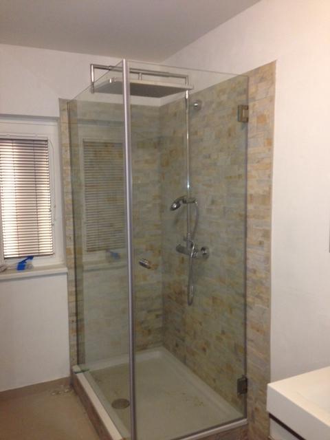 glasbau riegler ma gefertigte duschtrennw nde und duschkabinen aus glas. Black Bedroom Furniture Sets. Home Design Ideas